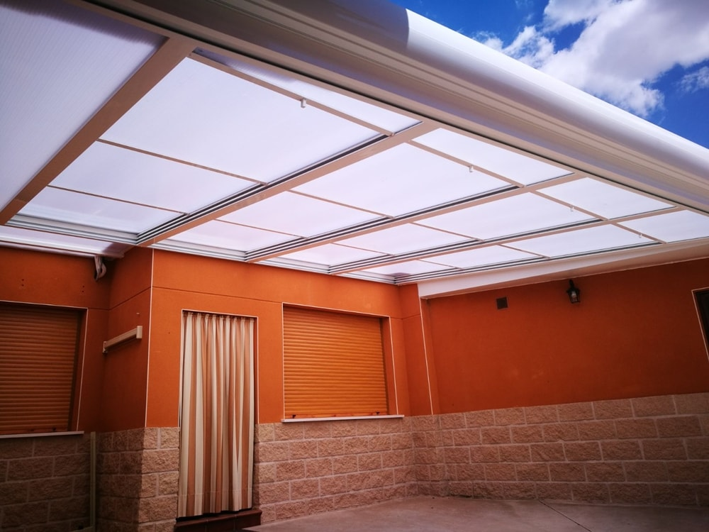 Fabricaci n de techos m viles para terrazas en madrid for Techos moviles para terrazas precios